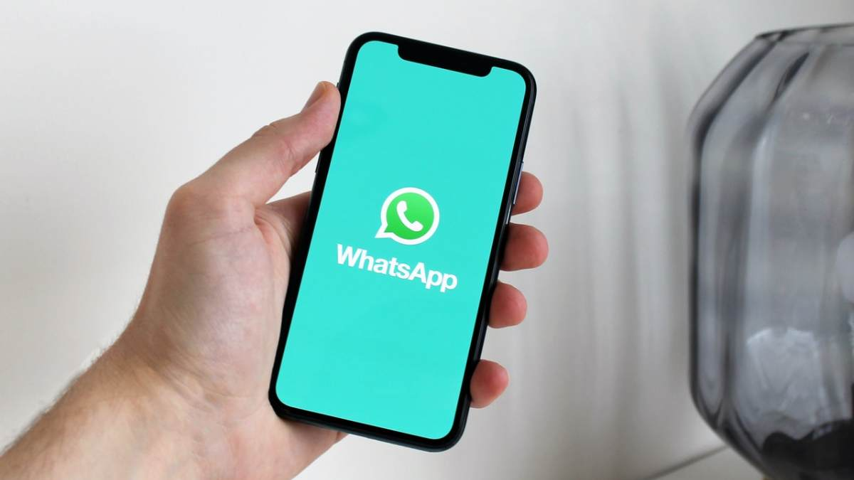 whatsapp-on-phone