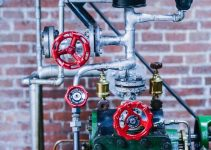 What are the different types of industrial valves and their advantages and applications