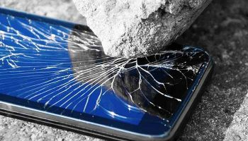The Costs of Repairing a Broken or Cracked iPhone Screen