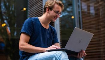 4 Ways To Increase The Lifespan Of Your Laptop