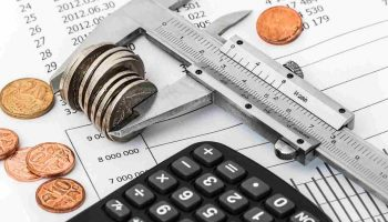 5 Smart Ways to Cut Your Monthly Expenses and Save